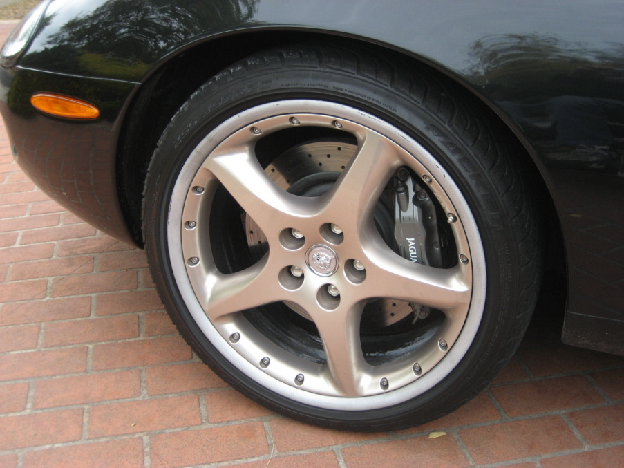 Jaguar XKR-R wheels